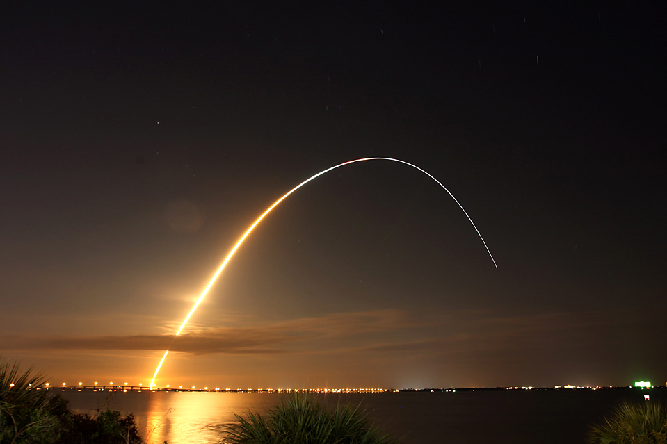 USA SPACE SHUTTLE ENDEAVOUR LAUNCH